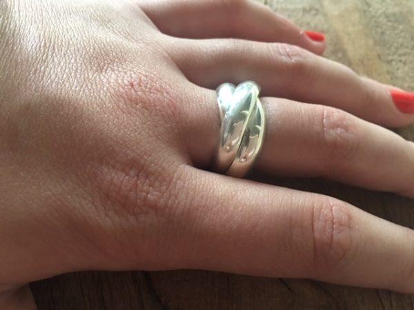Zware zilveren Trinity ring