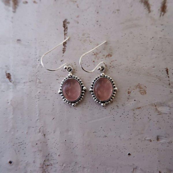 Zilveren oorbellen met Rozenkwarts edelsteen