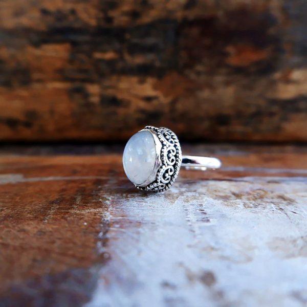 Zilveren ring met Maansteen uit India